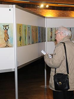 Visitante exposición