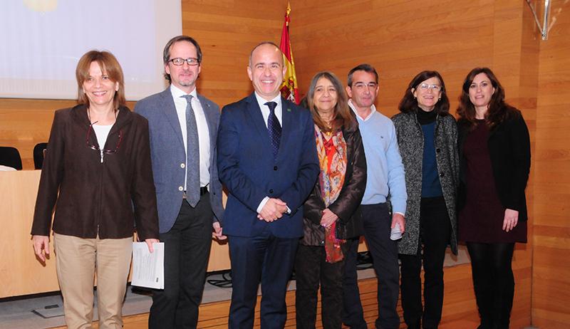 Paloma Collado, Miguel Ángel Santed, Ricardo Mairal, Victoria Ureña, Julio Díaz, Pilar Aparicio y Cristina Linares