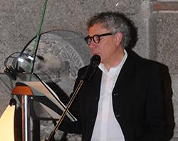 La UNED rinde homenaje a Félix Grande