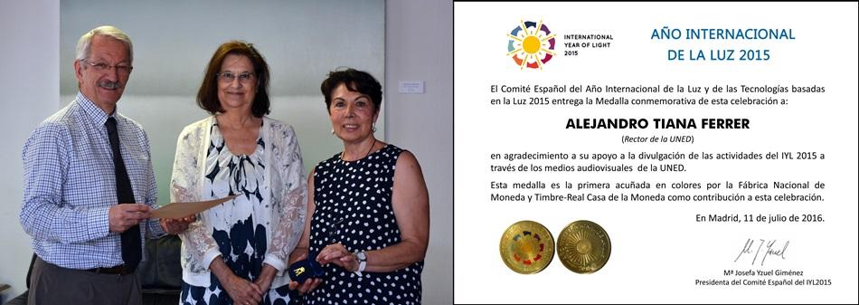De izda a derecha, Alejandro Tiana, Mª Luisa Clavo y Carmen Carreras