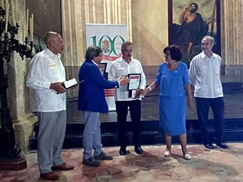 El director de la UNED de Zamora distinguido por la Colonia Zamorana de Cuba
