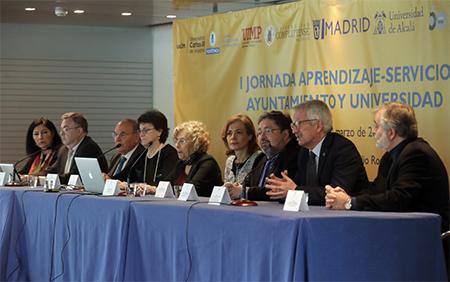Alejandro Tiana durante su intervención