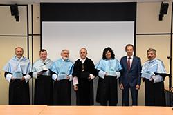 Foto de la noticia Almudena Grandes y Darío Villanueva investidos doctores honoris causa por la UNED